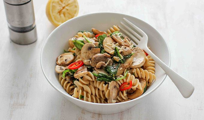 Mushroom Chilli Spinach Pasta - favourite healthy dinners #7