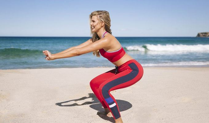 howto-get-beach-ready-02-pulsing-squats