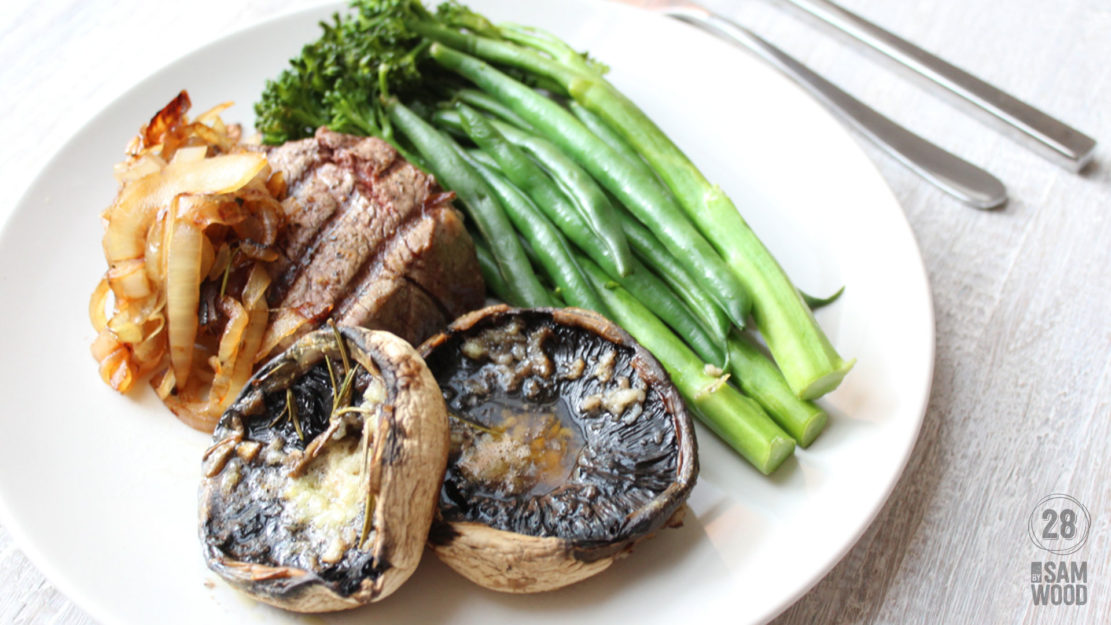 steak with garlic mushrooms